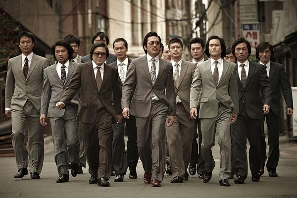 灰色 卢泰愚 电影 韩国/(芷宁写于2012年5月3日) 影片的全名比较长,《与犯罪的战争...