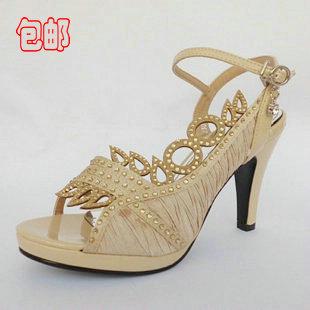 贵族西施是温州的知名牌子,她这款丁字绑带新鞋简洁大方,耐看,高清图片