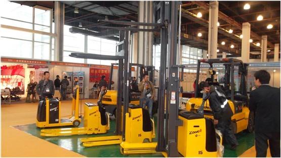卓一电动叉车独秀2012嘉兴国际机床与塑胶工业展