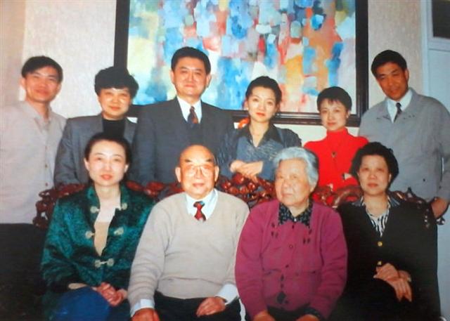 谷景生将军和他的 五朵金花图片