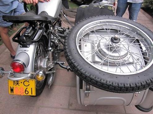 厦门公交一把火,朋友新买三轮摩托车不敢开